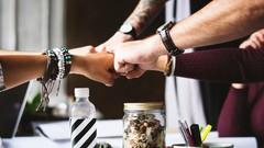 4 Powerful Ways Companies & Freelancers Work Well Together