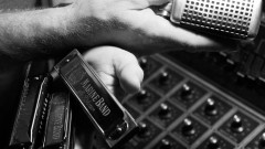 Learn the basics of intermediate harmonica playing. Today you are starting with blues and rhythms! …