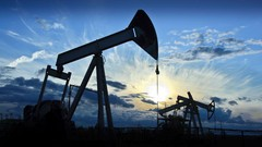 6 courses in 1 : Oil Production Economics Trading Pricing Specifications Logistics Petroleum …