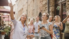 50 Must-Have Skills for a Tour Guide