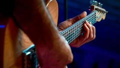 More than 32 Guitar Licks using Pentatonic and Blues Scales. Tab on screen and Twin HD View.