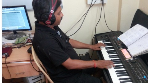 Free Piano Tutorial - Piano or Keyboard Extreme Beginners Course #1 in Hindi
