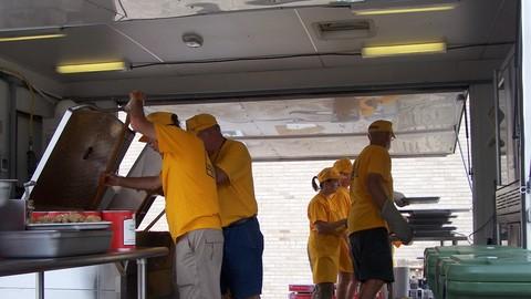 Netcurso-sbcv-disaster-relief-feeding-team