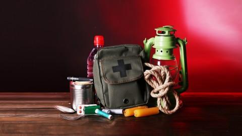 Basic Survival Skills :  Live The Survivalist Lifestyle