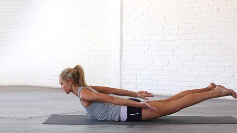 15 Minutes x 15 Days Yoga Strength Challenge