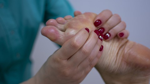 Relaxation with simple foot massage