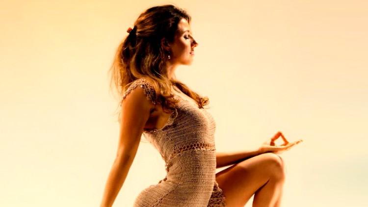 30 Day Yoga Challenge & Detox Diet Transformation System