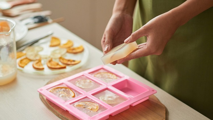 Melt & Pour Soap Making Home Business Marketing Starter Kit