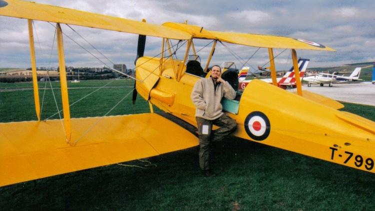 Flying the De Havilland Tiger Moth. DH 82.