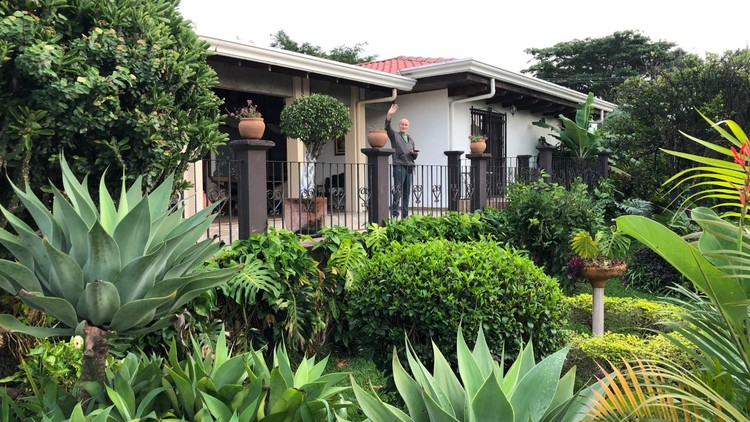 How to find & build your dream home in Costa Rica!