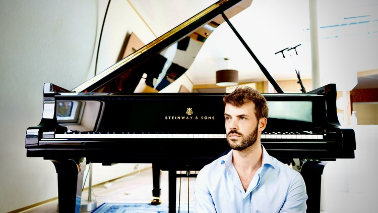 Piano lessons for beginners with a world class pianist.